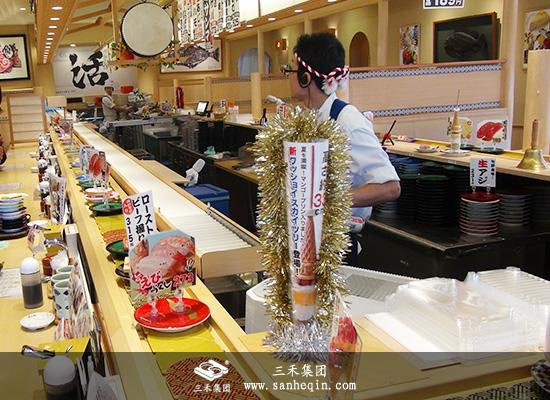 回转寿司输送线选哪家_带操作间单轨回转寿司设备_三禾集团